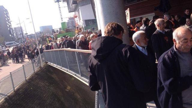 Honderden naar politiebureau om Wilders