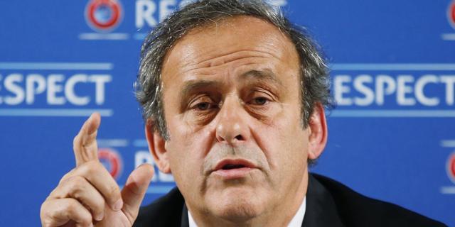 Platini stelt dat UEFA op goede weg is met Financial Fairplay