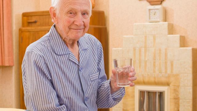 Engelsman (83) drukt 10.000 flyers om oude liefde te vinden
