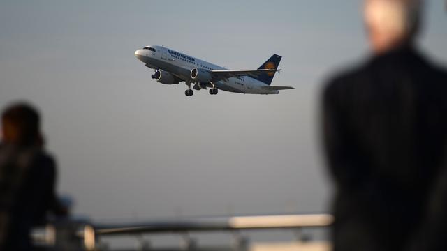 Lufthansa schrapt woensdag negenhonderd vluchten