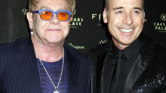 Elton John pakt bruiloft rustig aan