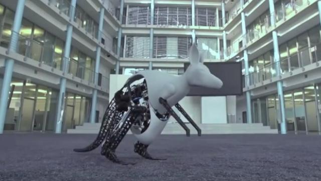 Robotkangoeroe wekt energie op tijdens springen