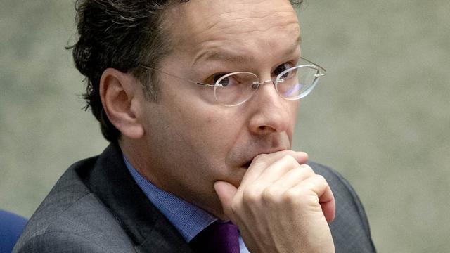 Kabinet pakt bonussen bankiers aan