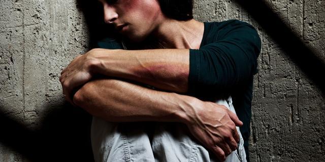 'Merendeel van meldingen over mishandeling wordt te laat onderzocht'