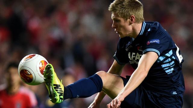AZ halverwege op achterstand tegen Benfica in kwartfinale