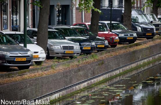 Gemeente geeft vanaf 1 juli minder parkeervergunningen uit
