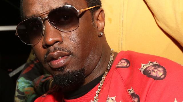'P. Diddy deelt klappen uit in nachtclub'