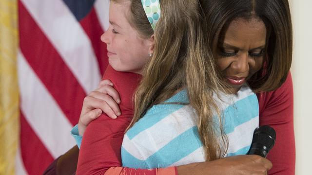10-jarig meisje geeft vaders CV aan Michelle Obama
