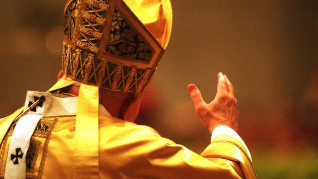 Paus Johannes Paulus II in recordtijd heilig verklaard