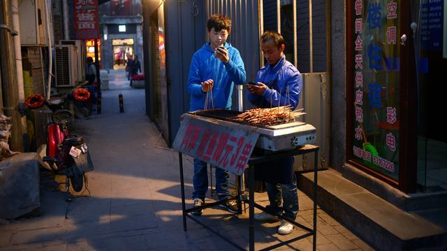 Verbod op kebabkraampjes moet Peking schoner maken