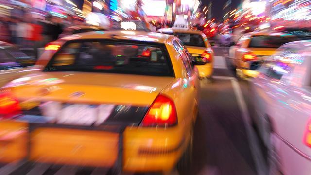 Taxichauffeur gestoken in Den Haag