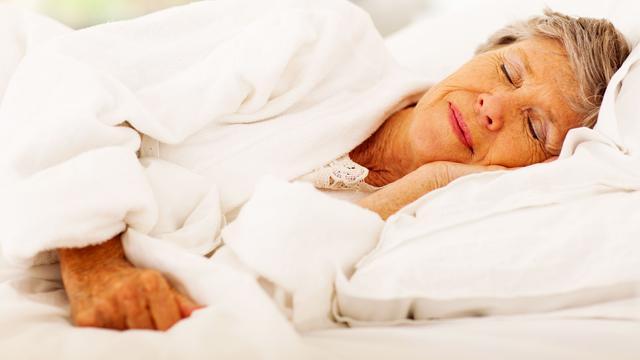 'Te veel of te weinig slaap slecht voor geheugen oude mensen'