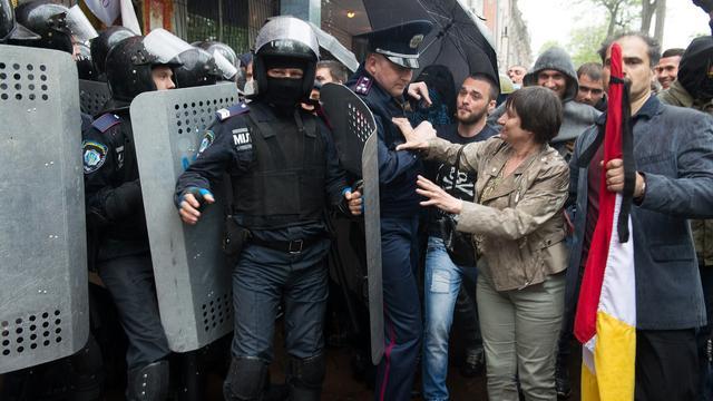Activisten vallen politiebureau Odessa aan