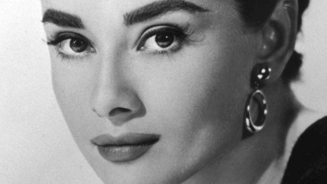 Ruim 30.000 euro voor sombrero Audrey Hepburn