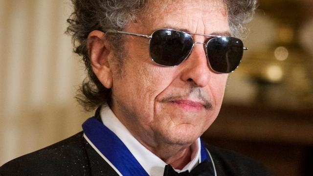 Bob Dylan haalt verwijzing naar Nobelprijs van website