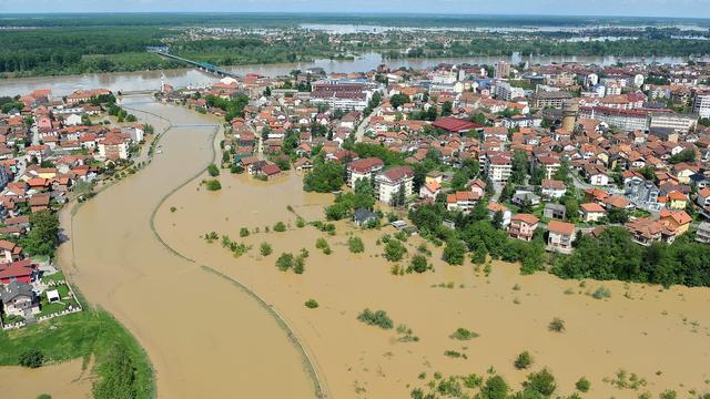 Mogelijk massagraf blootgelegd door hoogwater Bosnië