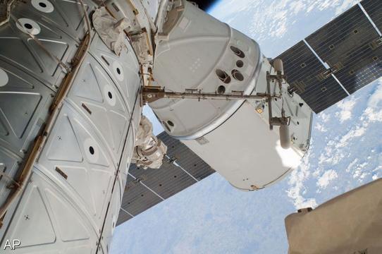ISS-wandeling twee vrouwen afgelast wegens tekort passende ruimtepakken