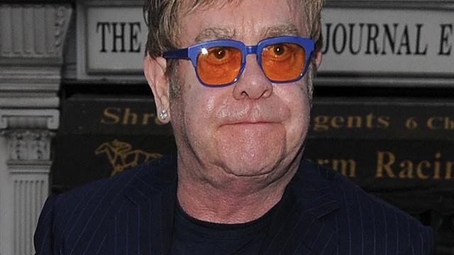 Paus Franciscus nieuwe held van Elton John
