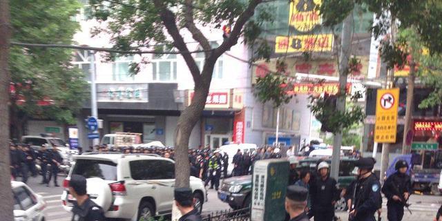 '31 doden bij aanslag op Chinese markt'