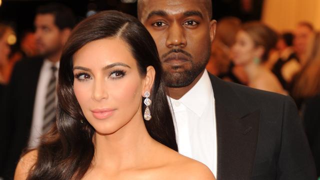 'Kanye West en Kim Kardashian sleutelden lang aan trouwfoto'