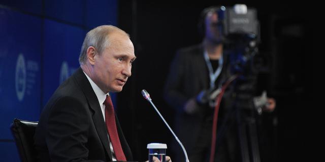 Poetin wil olie en gas in roebels afrekenen