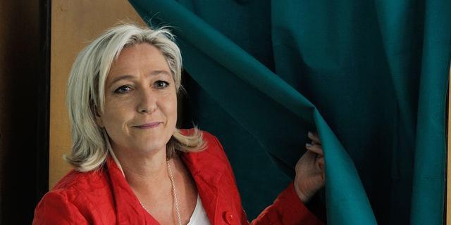 Marine Le Pen wil niet helemaal af van euro