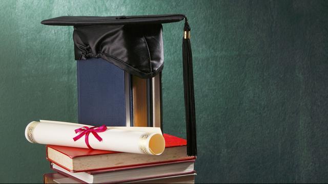 92-jarige Amerikaan haalt eindelijk schooldiploma