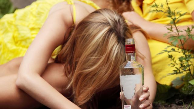 Iets meer alcoholvergiftigingen bij jongeren in 2013