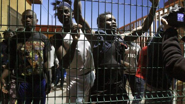 Afrikaanse migranten dringen Spaanse enclave binnen