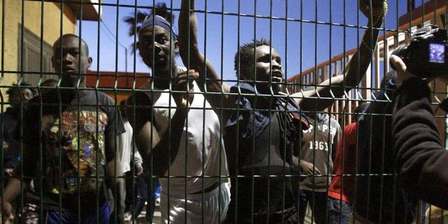 Spaanse exclave voor derde dag op rij bestormd