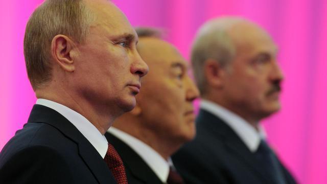 'Let ook op financiële sancties Rusland'