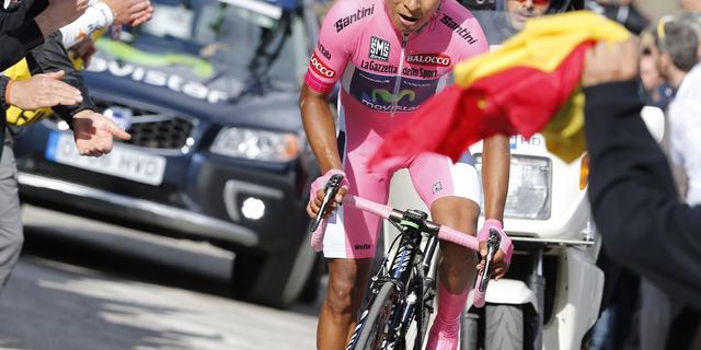 Quintana steviger in roze trui na overwinning in klimtijdrit Giro