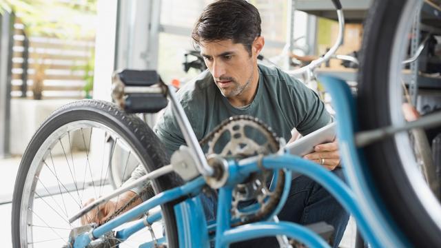'Plan Wiebes draait fietsenwinkels de nek om'