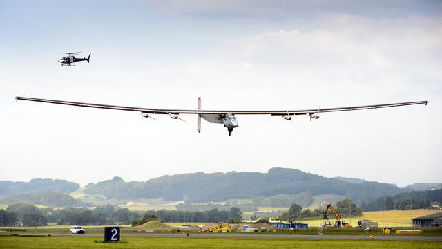 Vlucht vliegtuig op zonne-energie succesvol