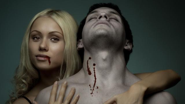 'Vampierenstel' drinkt elkaars bloed