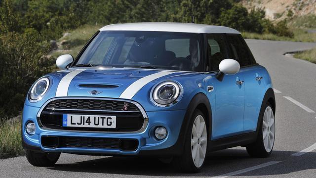 Mini presenteert voor het eerst vijfdeurs hatchback