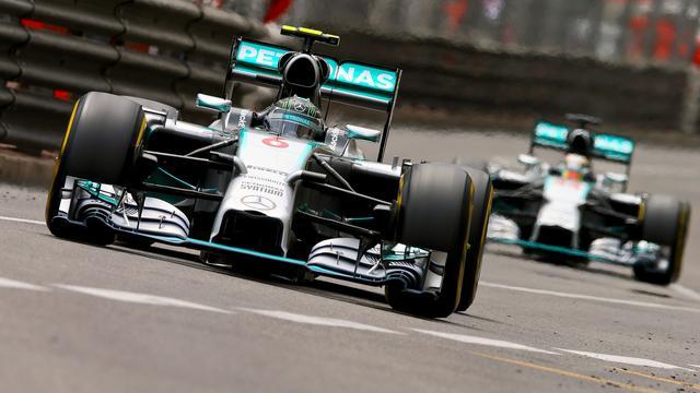 Hamilton snelste in trainingen GP Oostenrijk