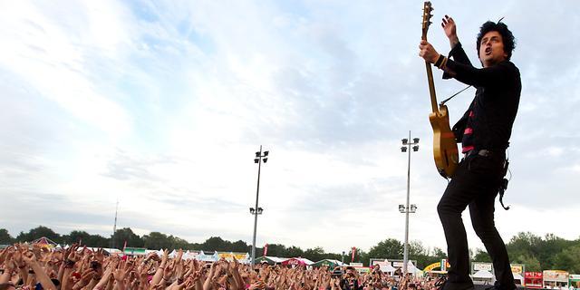 Green Day brengt twaalfde album Revolution Radio uit