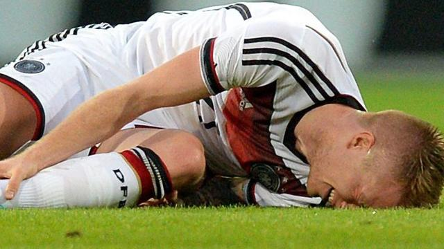 Aanvaller Reus valt geblesseerd uit bij winnend Duitsland