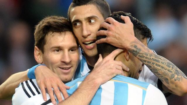 Messi scoort voor Argentinië, Villa voorkomt blamage Spanje