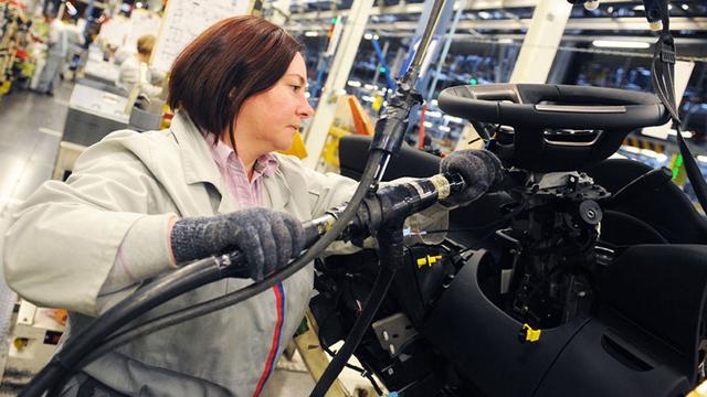 Automaker PSA levert fors in door coronacrisis, maar maakt toch winst