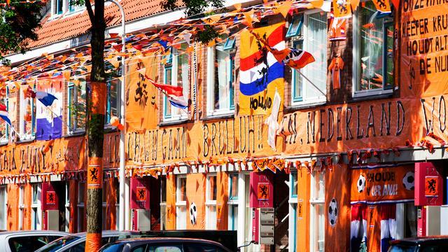 'Oranje versierd huis niet goed voor verkoop'