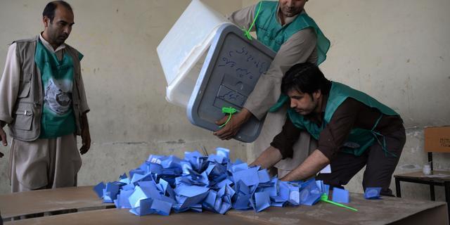 Volledige hertelling stemmen in Afghanistan