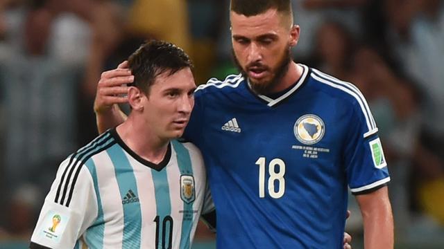 Medunjanin blij met shirt Messi
