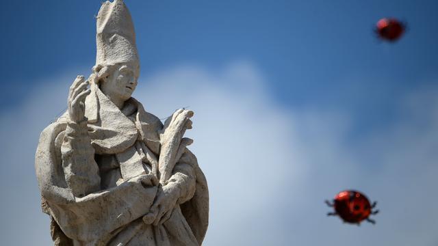 'Afdeling Vaticaan gebruikt voor grootschalige fraude'