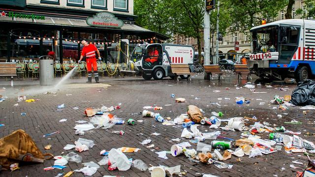 Amsterdam pakt troep rond eettenten centrum aan