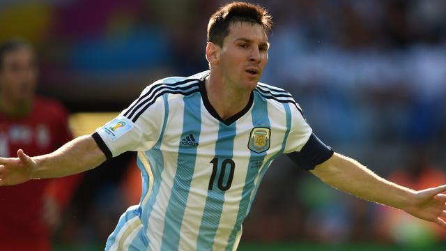 Messi schiet Argentinië in extra tijd naar achtste finales