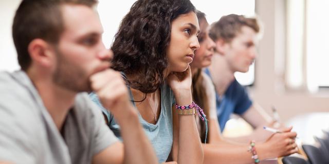 Honderden alfastudenten halen bul te makkelijk