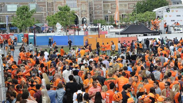 Huldiging Oranje mag van buurt op Museumplein