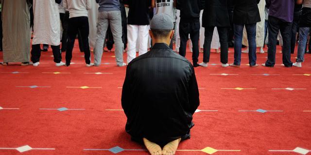 'Een derde van Nederlandse jongens negatief over moslims'